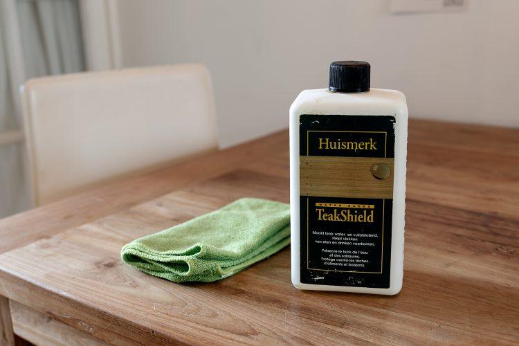 Krassen Tafel Verwijderen : Houten tafel beschermen tegen vlekken handige tips